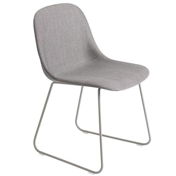 Muuto Fiber Side Sled gestoffeerde stoel