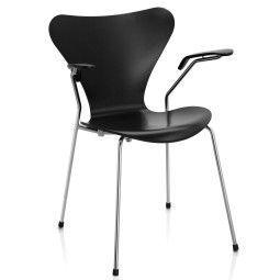 Fritz Hansen Vlinderstoel Series 7 stoel met armleuningen gelakt