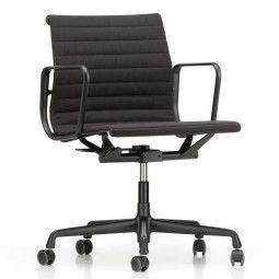 Vitra Aluminium Chair EA 117 draaibaar, zwart aluminium onderstel