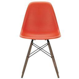 Vitra Eames DSW stoel met donker esdoorn onderstel
