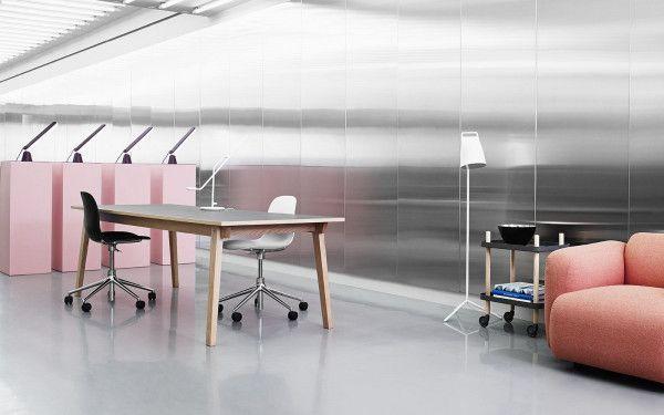 Normann Copenhagen Form Armchair Swivel stoel met aluminium onderstel