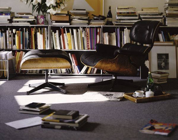 Vitra Eames Lounge chair met Ottoman fauteuil (nieuwe afmetingen) walnotenhout