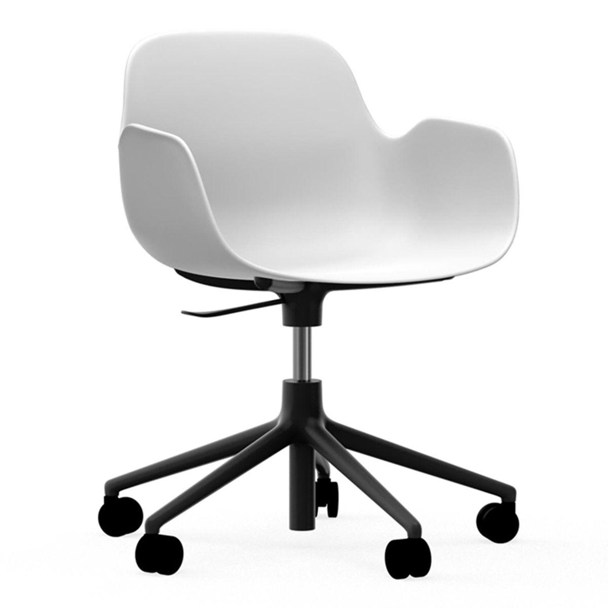 Normann Copenhagen Form Armchair bureaustoel met zwart onderstel wit