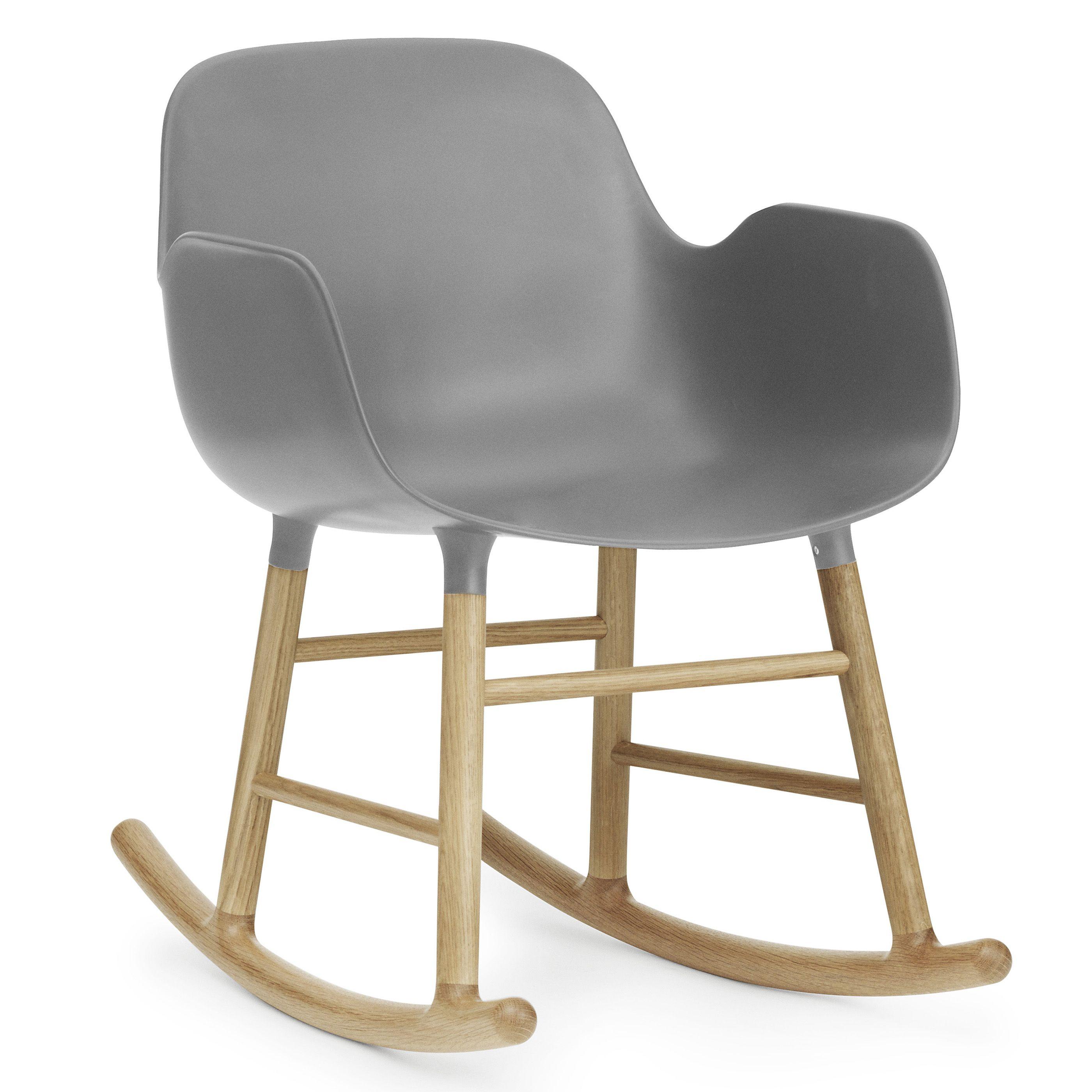 Normann Copenhagen Form Rocking Armchair schommelstoel met eiken onderstel grijs kopen