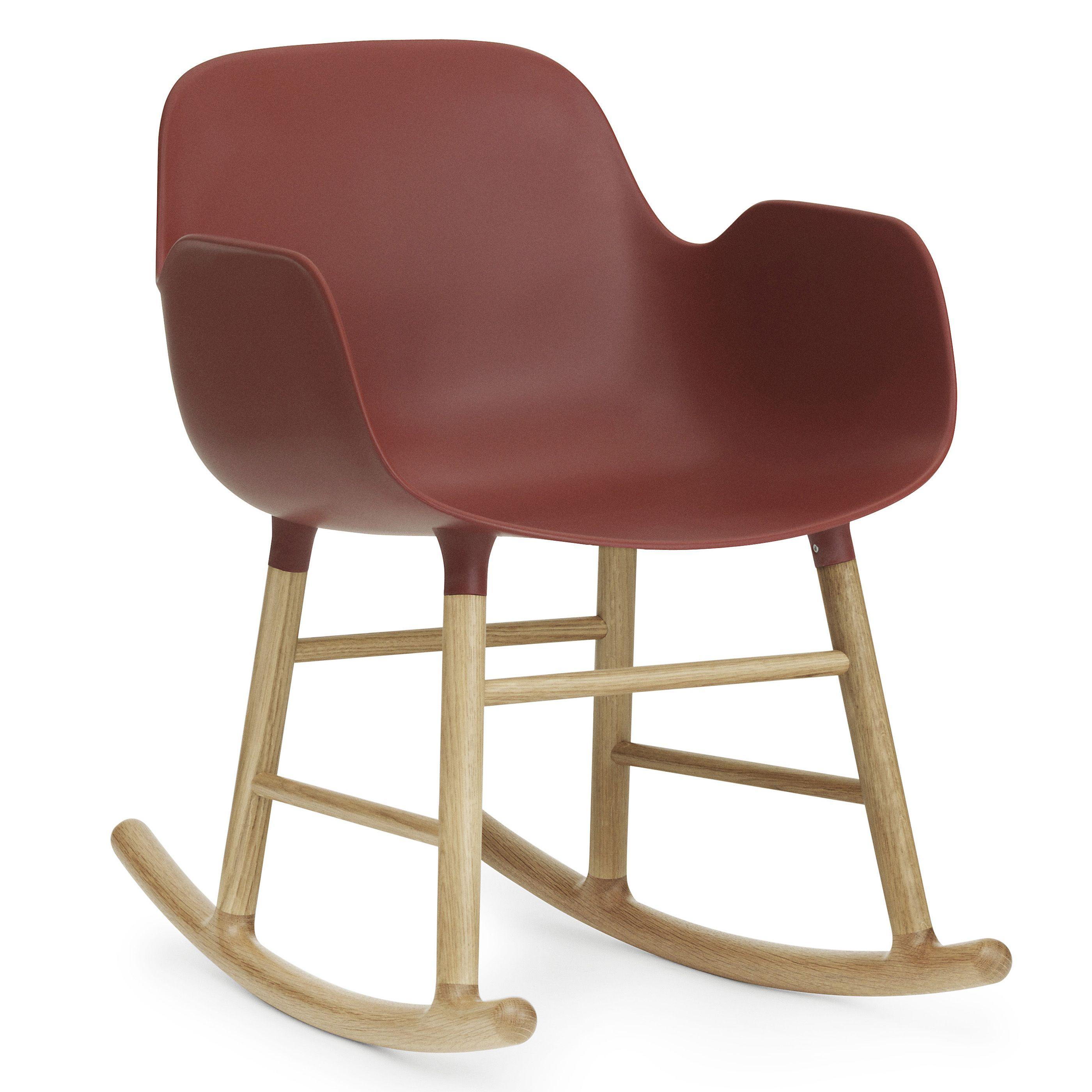 Normann Copenhagen Form Rocking Armchair schommelstoel met eiken onderstel rood kopen