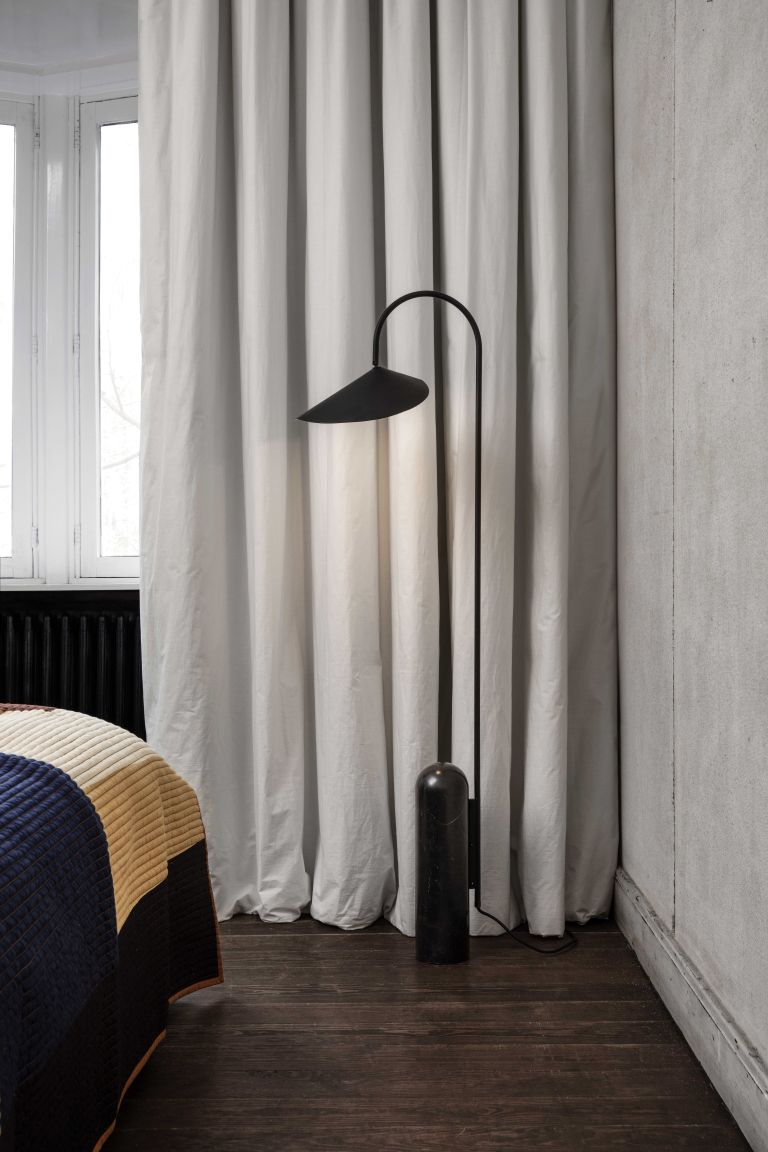 Ferm Living Arum vloerlamp zwart