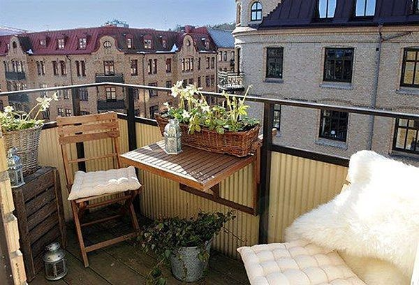balkon bank klein balkon met bankje outdoor sofa design. Black Bedroom Furniture Sets. Home Design Ideas